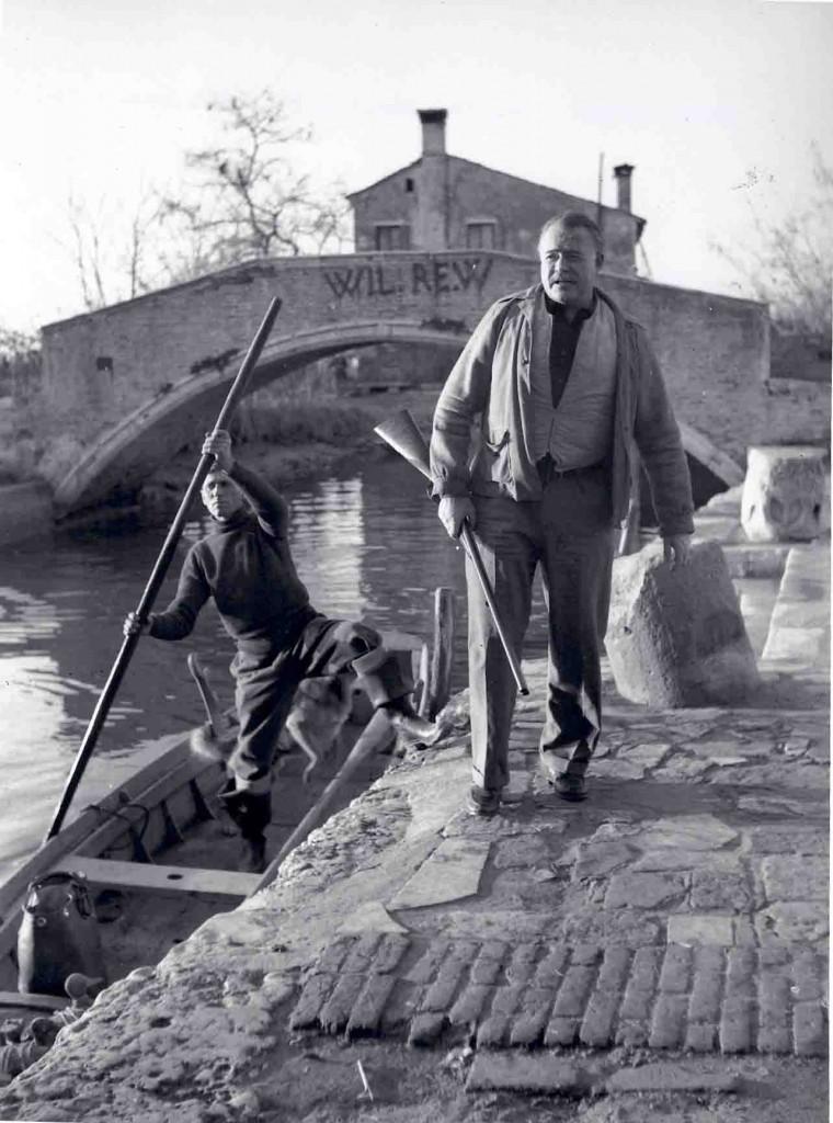 Ernest Hemingway auf Torcello, Dezember 1948; (c) Dino Jarach